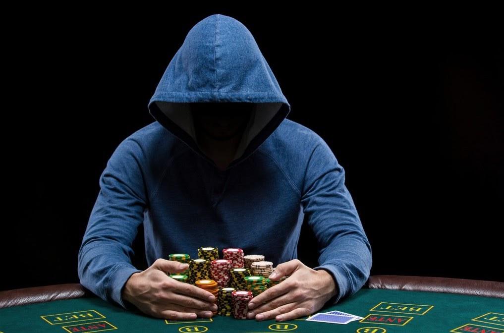 Cơ hội kiếm tiền cực khủng bằng cách chơi poker online
